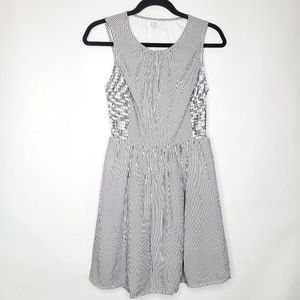 Old Navy Sleeveless Skater Dress